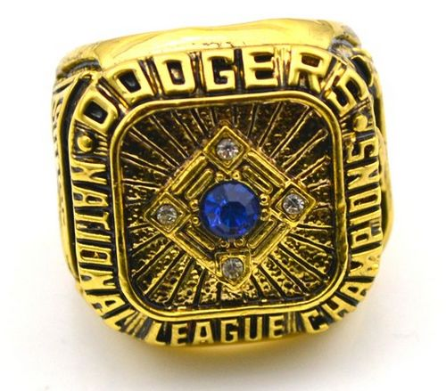 MLB Los Angeles Dodgers World Champions Gold Ring