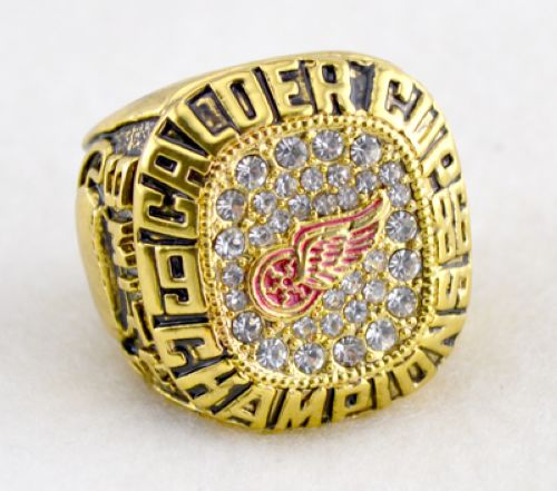 NHL Detroit Red Wings World Champions Gold Ring